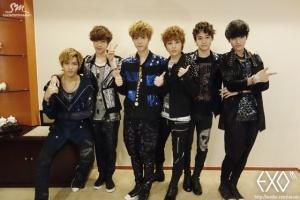 EXO-M-Weibo-update-exo-m-32779799-640-427